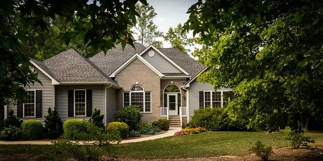 Image of a house, representing how Camden & Meridew attorneys can help protect the interests of homeowners, lenders, and investors in proceedings under foreclosure laws in Indiana.